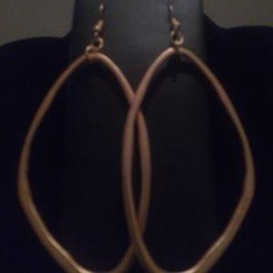 Jewelry - 😍 Coppery Organic-shaped Dangle Earrings 😍